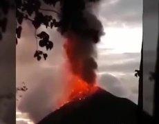 TERRIBLE TSUNAMI IN INDONESIA AFTER EXPLOSION OF VOLCANO KRAKATOA