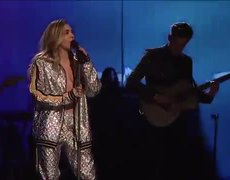 Mark Ronson and Miley Cyrus: Nothing Breaks Like a Heart (Live) #SNL