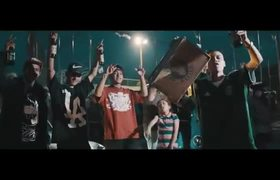 Santa Fe Klan - Cumbia De La Santa (Video Oficial)