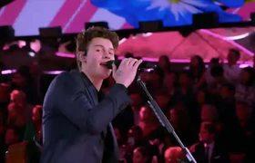 Shawn Mendes - Lost In Japan (Live Victoria's Secret 2018 Fashion Show)