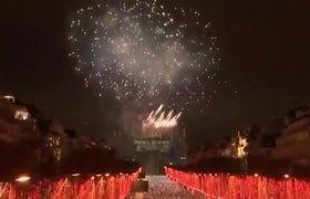 Show de fuegos artificiales en Paris para recibir el 2019