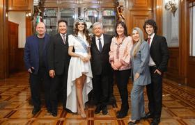 #AMLO recibe a Miss Mundo 2018 en Palacio Nacional