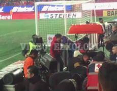 Accidente en el Estadio Caliente, se cae aficionado de las gradas