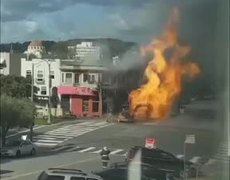 Gas line explosion sends flames three stories high in #SanFrancisco