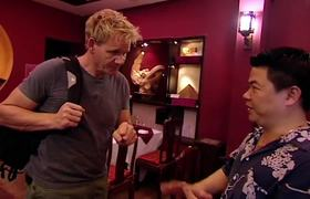 Gordon's Great Escape: Gordon Ramsay Prepares & Cooks His Vietnamese Menu For Locals |