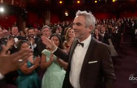 Alfonso Cuaron Accepts the Oscar for Directing #Oscars2019