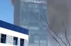 Se registra incendio en la Torre Titanium en Puebla