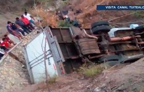 Identifican 19 cuerpos de migrantes tras accidente carretero
