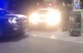 Simula detención policiaca para entregar el anillo de compromiso