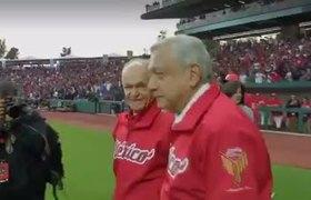 #VIDEO: Abuchean a AMLO en inauguración de estadio de los Diablos Rojos