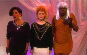 Ladies Room #SNL