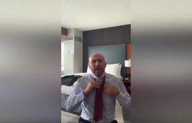 Pedro Ferriz critica a #AMLO por tener zapatos sucios (Responde)