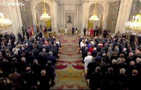 El rey emérito de España se retira de la vida pública
