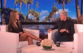 Ellen Show: Jennifer Aniston's First Text During Her Plane Scare Was from Ellen
