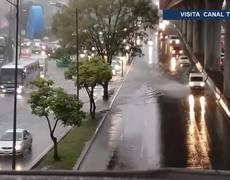 Fuerte lluvia causa inundaciones en Perisur, Tlalpan e Iztapalapa; tren ligero afectado