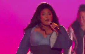 Lizzo Performs