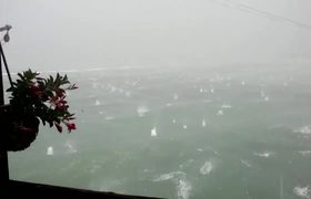 Hailstones the Size of Oranges Rain Down on Pescara in Italy