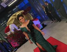 Gomita opacó a Kimberly Flores en su boda con Edwin Luna