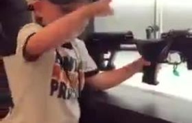 #VIRAL: With only 4 years old, he is an expert in handling weapons
