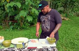 Gordon Ramsay Makes SPAM Scrambled Eggs in Hawai