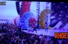 CNCO performs