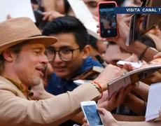 Brad Pitt lives with his fans in Mexico City
