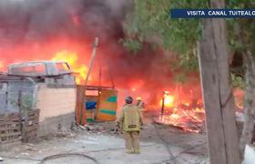Desalojan casas y moteles por incendio en Guadalupe, Nuevo León