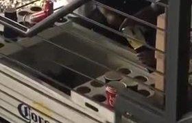 Captan como rebajan cerveza en el Estadio Azteca
