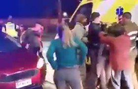 Mujer se esconde arma en el duraznito y se vuelve viral