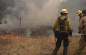 4,000 Evacuated as Wildfire Rips Though Californian Town