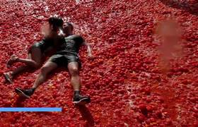 Tomato fight in Russia, icebergs in Greenland, St. Louis firefighters