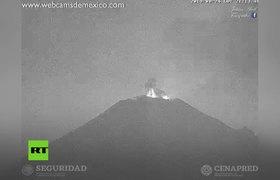 #Popocatépetl expele una columna de ceniza de 1,5 kilómetros