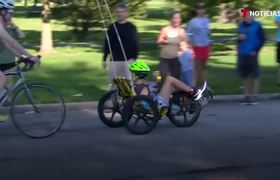 Disabled teenager shines at the Chicago triathlon