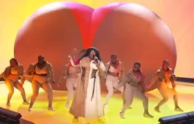 2019 Video Music Awards: Lizzo Performs 'Truth Hurts' & 'Good As Hell' |