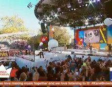 Kane Brown and Marshmello perform 'Happier' on 'GMA'