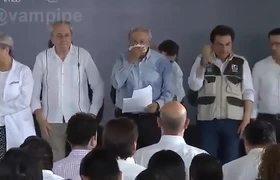 #VIRAL: Sudor en camisa de AMLO forma el mapa de México en su pecho y el internet explota
