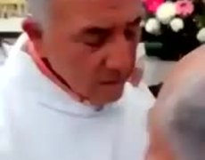 #VIRAL: Priest refuses to give holy oils to 'corrupted body'