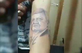 #VIRAL: Hombre se tatúa el rostro de AMLO en su brazo