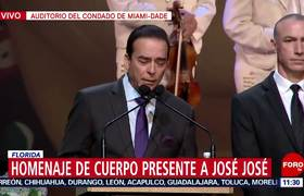 Inicia homenaje de cuerpo presente a José José en un auditorio de Miami
