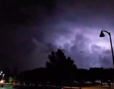 #VIDEO: Lightning Storm Strikes Dallas Before Powerful Tornado