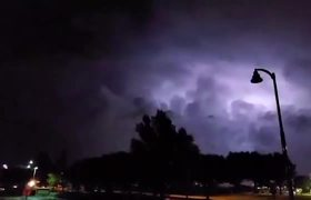 #VIDEO: Lightning Storm Strikes Dallas Before Powerful Tornado