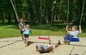 #VIRAL: Family Tries Challenge of Jumping Over Swings in Playground - 1057084