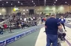 Chico FAIL durante practica de salto con garrocha