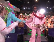 The Ellen Show: Jason Momoa Makes a Rockin' Entrance as Elvis