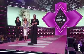 Pink Inspires While Accepting E! People's Champion Award | E! People's Choice Awards 2019