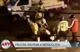 Policemen beat mercilessly and leave a motorcyclist on the ground in Guatemala