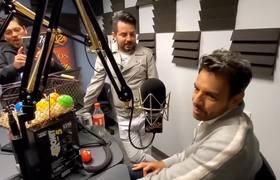 Eugenio y José Eduardo derbez responden con los huevos (Literalmente)
