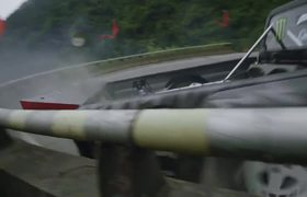 Conduciendo a ALTA VELOCIDAD por la CARRETERA MAS PELIGROSA DE CHINA