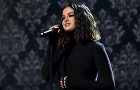 Selena Gomez Desafina en Los #AMAS - Fans Aseguran Que Fue Sabotaje!