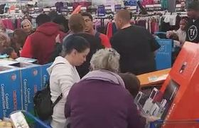 #BlackFriday fight at Walmart